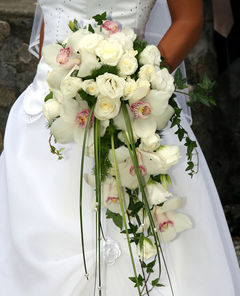 Cascading-Wedding-Bouquets-120718123617